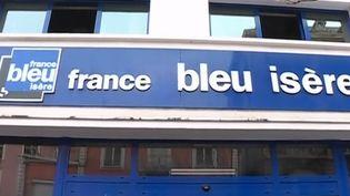 Dans la nuit de dimanche 27 à lundi 28 janvier, un incendie d'origine criminelle a ravagé une partie des locaux de France Bleu Isère à Grenoble. (CAPTURE D'ÉCRAN FRANCE 3)