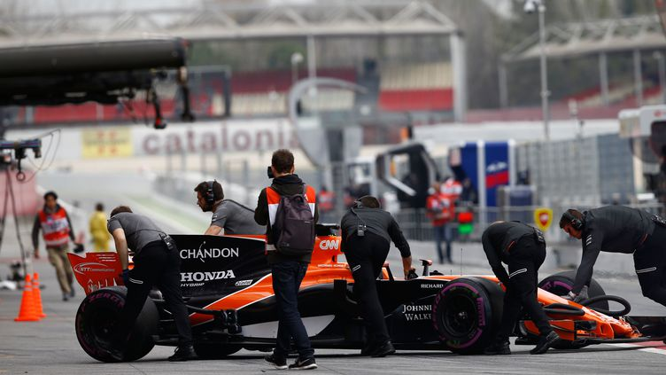 La MCL32 de Fernando Alonso a déjà connu bon nombre de soucis lors des essais de pré-saison. (HOCH ZWEI / HOCH ZWEI)