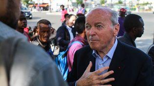 Le Défenseur des droits, Jacques Toubon, porte de la Chapelle à Paris, le 21 juillet 2017. (STRINGER / AFP)