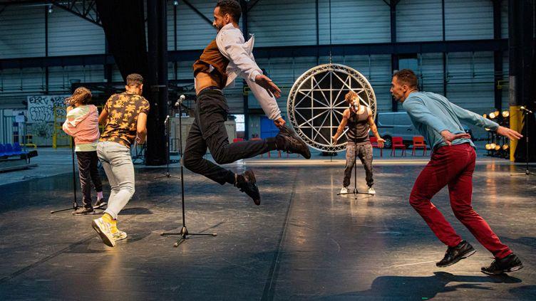 """""""Itmahrag"""" la nouvelle création chorégraphique d'Olivier Dubois présentée en première mondiale à la Biennale de la danse  (Michel Cavalca)"""