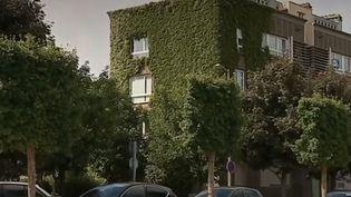 Un immeuble recouvert de verdure à Dunkerque (Nord). (FRANCE 3)