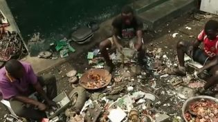 Le Ghana est devenu un des pays les plus pollués du monde, car il accueille les déchets électroniques de l'Europe et de l'Amérique.  (France 2)