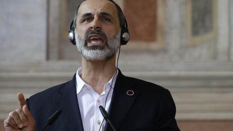 L'ex-chef de la coalition de l'oppositionMouaz al-Khatib durant une conférence de presse à Rome, le 28 février 2013. (JACQUELYN MARTIN / POOL)