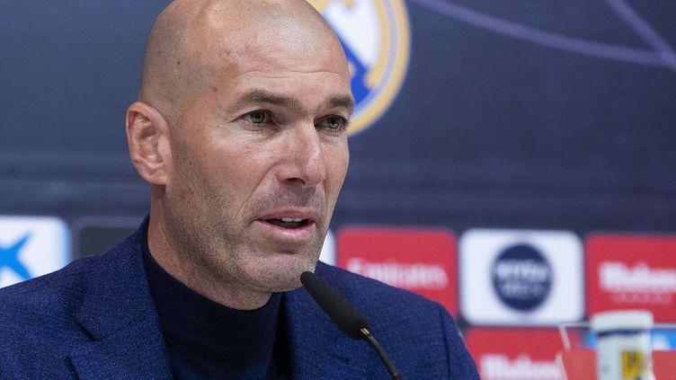Zinédine Zidane, pendant la conférence de presse du 31 mai 2018, à Madrid (Espagne). (BORJA B. HOJAS/AP/SIPA / AP)