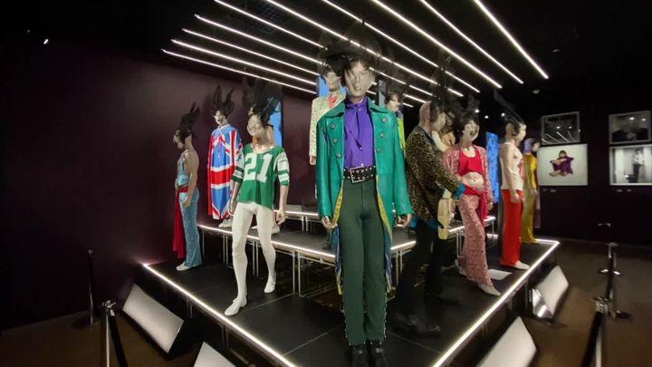 Des tenues faites pour étonner ou même choquer : les Rolling Stones ont marqué les esprits par l'audace de leurs choix vestimentaires. (France 3 Provence)