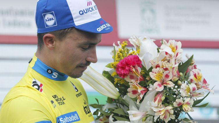 Julian Alaphilippe (Quick-Step) en jaune sur le Tour du Pays basque (LUIS TEJIDO / EFE)