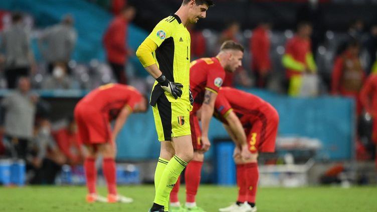Thibaut Courtois déçu après la défaite de la Belgique face à l'Italie, en quart de finale de l'Euro, le 2 juillet àMunich (MATTHIAS HANGST / AFP)