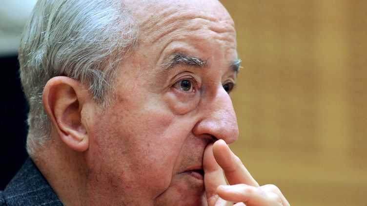 Edouard Balladur, ancien Premier ministre et candidat à l'élection présidentielle de 1995, le 5 mai 2010 à Paris. (MIGUEL MEDINA / AFP PHOTO)