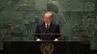Recep Tayyip Erdoğan, le président turc, à la tribune de l'ONU à New York (Etats-Unis) ,le 21 septembre 2021. (MURAT KULA / ANADOLU AGENCY / AFP)