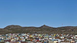Vue panoramique de Saint-Pierre, sur l'île française de Saint-Pierre-et-Miquelon, en 2012. (JEAN-CHRISTOPHE L'ESPAGNOL / AFP)