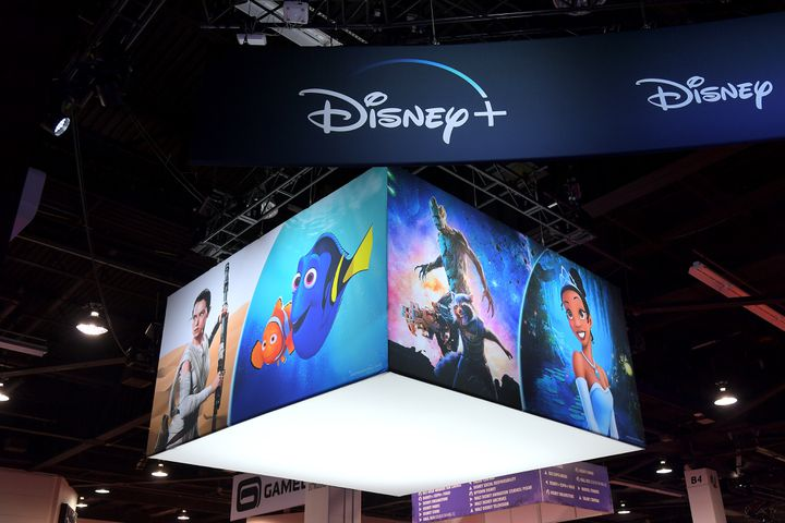 Le pavillon Disney+ au salon D23 à Anaheim (Californie, Etats-Unis), le 25 août 2019. (CHARLEY GALLAY / GETTY IMAGES / AFP)