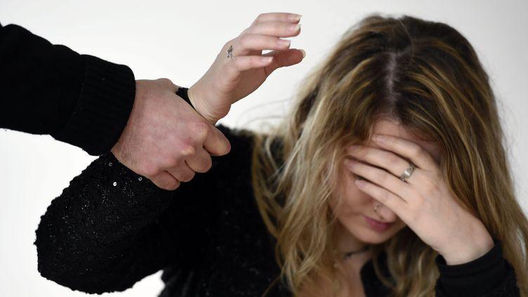 Chaque année, en moyenne, 223000 femmes sont victimes de violences conjugales en France, selon les enquêtes de victimation de l'Insee. (MAXPPP)