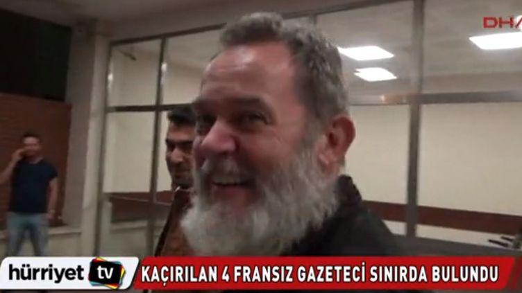 Le journaliste Didier François interrogé par la chaîne turque DHA, le 19 avril 2014. (DHA / FRANCETV INFO )