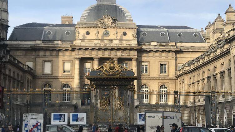 Le Palais de justice de Paris. (LAURE DEBEAULIEU / FRANCE-INFO)