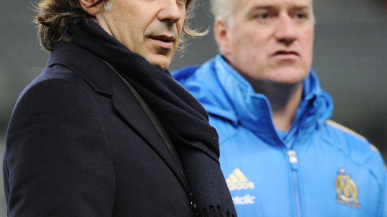 Le président de l'OM Vincent Labrune et son ancien entraîneur Didier Deschamps (FRANCK FIFE / AFP)
