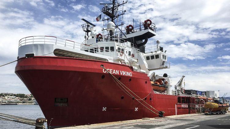 L'Ocean Viking dans le port de Marseille, en juin 2020. (SHAHZAD ABDUL / AFP)