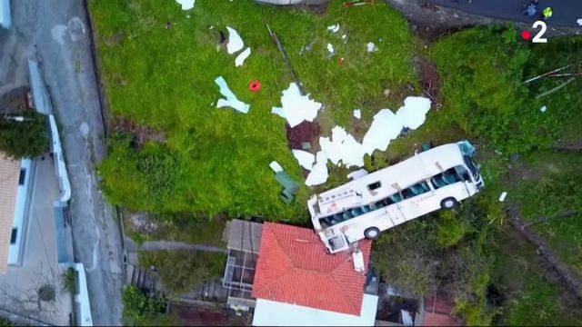 Portugal : 29 morts dans un accident de car de touristes