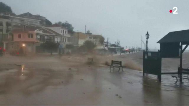 Grèce : l'ouragan Ianos ravage la côte ouest du pays