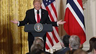 Le président américain Donald Trump lors d'une conférence de presse commune avec la Première ministre norvégienne Erna Solberg, le 10 janvier 2018 à la Maison Blanche. (JONATHAN ERNST / REUTERS)