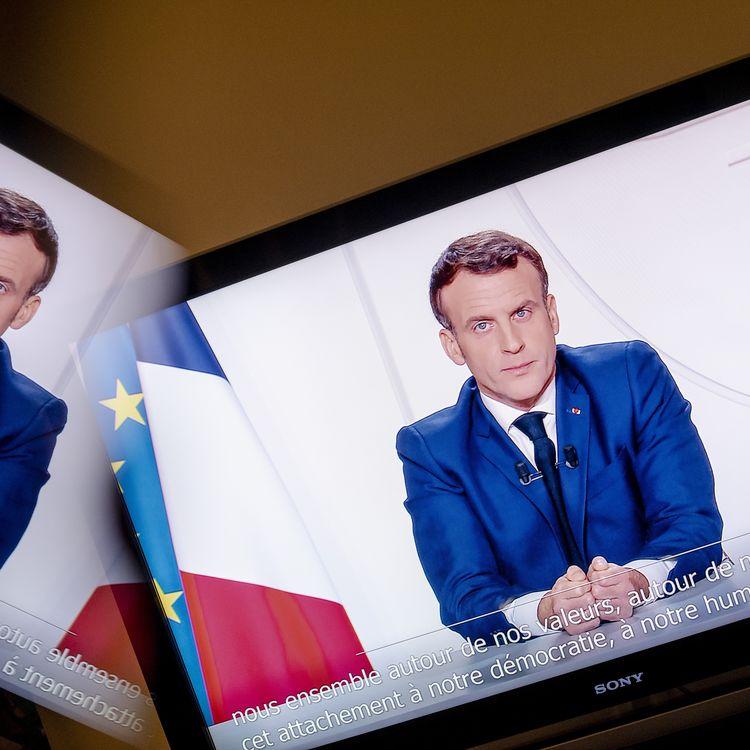Emmanuel Macron lors de son allocution depuis le palais de l'Elysée, le 24 novembre 2020. (HAMID AZMOUN / HANS LUCAS / AFP)