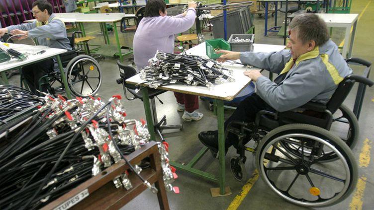 (Douze millions de personnes en France sont handicapées et 5 millions d'entre elles bénéficient d'une aide de la part des pouvoirs publics © Maxppp)