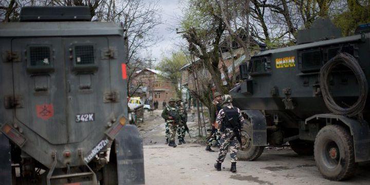 Soldats indiens dans la région du Cachemire après un incident. Le Pakistan et l'Inde revendiquent la région depuis l'indépendance. (Yawar Nazir / NurPhoto)