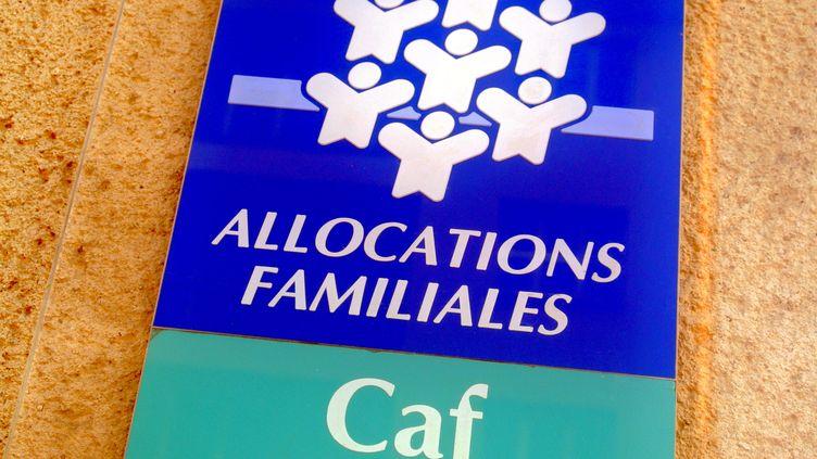 Le logo des allocations familiales qui gèrent le RSA. (JULIO PELAEZ / MAXPPP)