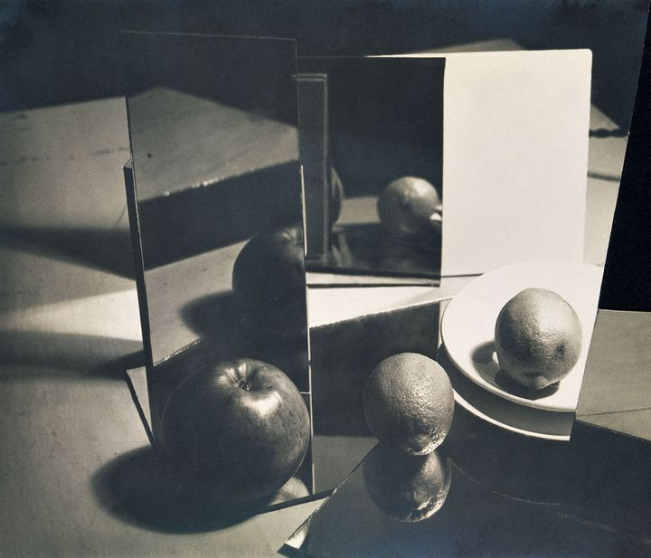 "Florence Henri, ""Composition Nature morte"", 1929, collage, Collection particulière, courtesy Archives Florence Henri, Gênes  (Galleria Martini & Ronchetti)"