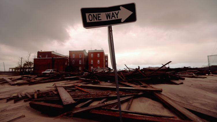 Atlantic City, dans le New Jersey, a été dévastée par le passage du cyclone Sandy, dans la nuit du 29 au 30 octobre 2012. (MARIO TAMA / GETTY IMAGES NORTH AMERICA / AFP)
