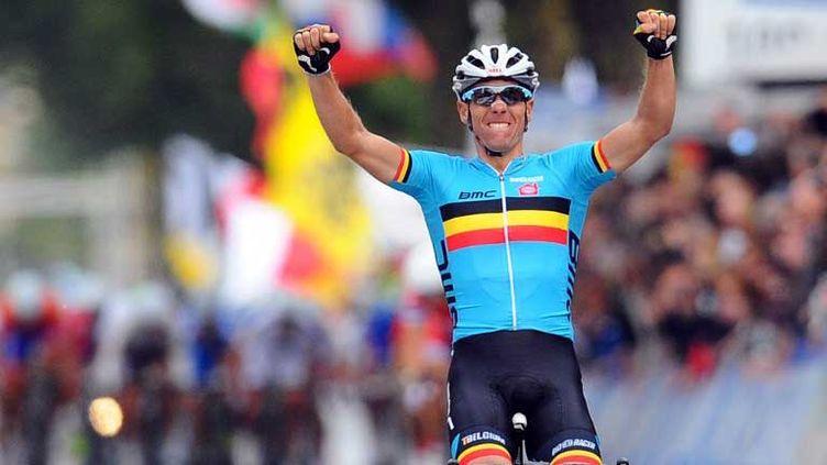 Le Belge Philippe Gilbert heureux sur la ligne d'arrivée
