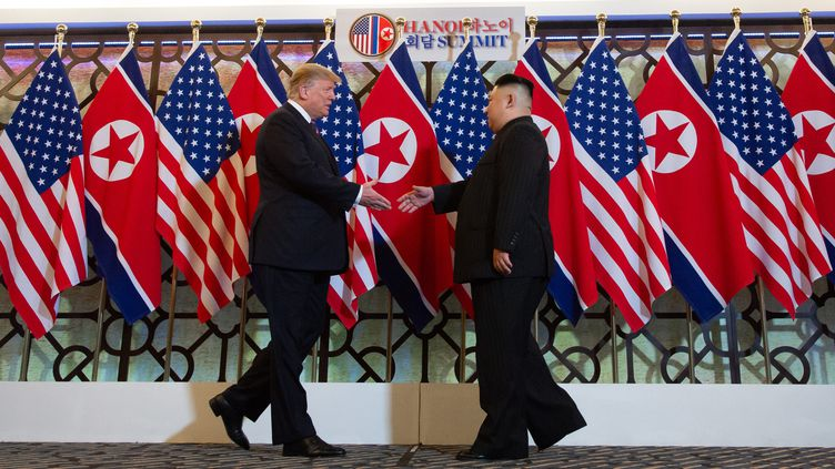 Donald Trump et Kim Jong-un, à Hanoï, le 27 février 2019. (SAUL LOEB / AFP)