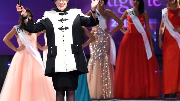 Geneviève de Fontenay à Alger (Algérie), pour l'élection de Miss Algérie, le 5 septembre 2014. (FAROUK BATICHE / AFP)