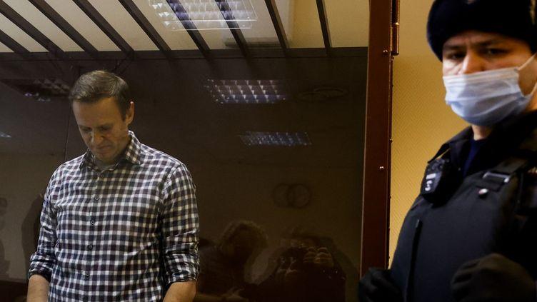 Alexeï Navalny lors de son procès à Moscou (Russie), le 20 février 2021. (SEFA KARACAN / ANADOLU AGENCY  / AFP)