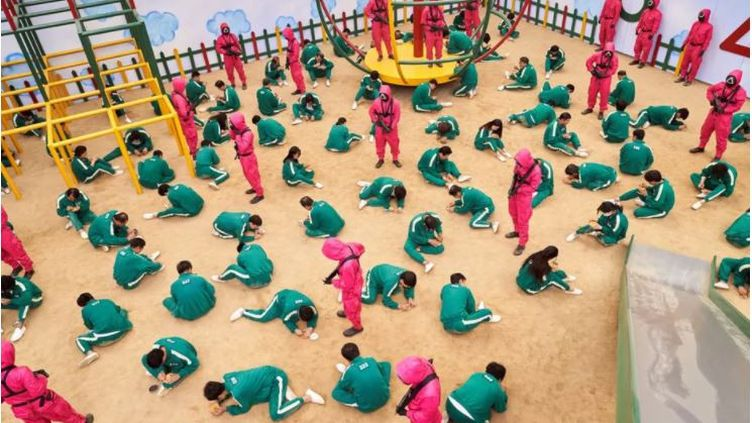 """La série sud-corénne """"Squid Game"""", diffusée sur Netflix, connaît un immense succès à travers le monde. (AFP PHOTO / NETFLIX / YOUNGKYU PARK)"""