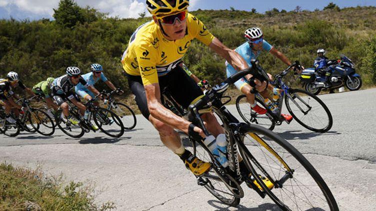 Le coureur britannique Chris Froome sur son vélo lors de la 17e étape
