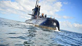 """Le sous-marin argentin """"San Juan"""", ici en novembre 2010, est porté disparu depuis mercredi 15 novembre avec 44 marins à son bord.  (XINHUA / MAXPPP)"""