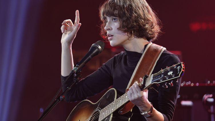 L'autrice-compositrice et interprète Claire Pommet, dite Pomme, lors du concert des Révélations des Victoires de la Musique, le 13 janvier 2019 au Casino de Paris. (SADAKA EDMOND / SIPA)