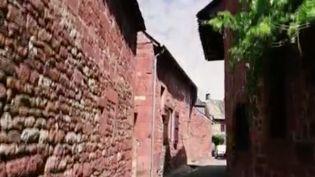 France 2 nous emmène dans la vallée de la Dordogne, dans l'un des plus beaux villages de la région et surtout l'un des plus colorés : Collonges-la-Rouge (Corrèze), qui doit son nom au grès local avec lequel ont été construits tous ses bâtiments. (France 2)