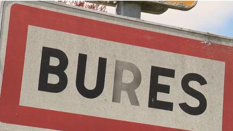 La commune de Bures, en Meurthe-et-Moselle, souffre de la mauvaise publicité faite par le projet d'enfouissement de déchets radioactifs à Bure, sans la Meuse. Les municipalités homonymes font face à de nombreux tracas. (FRANCE 2)