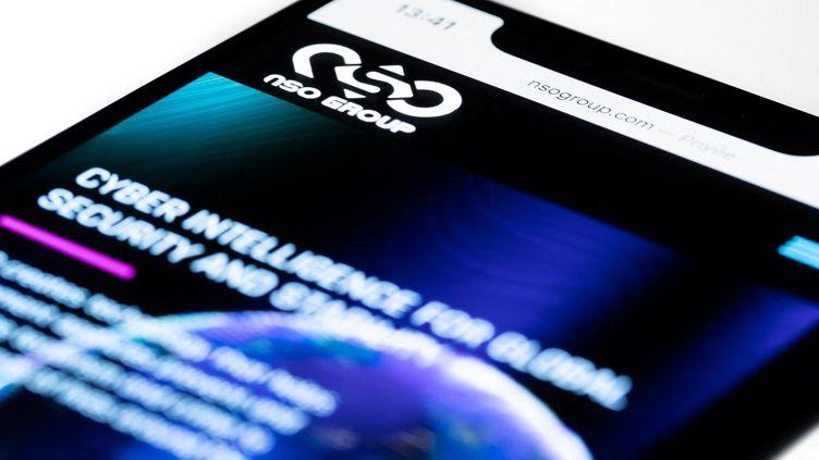 Photo d'illustration du site internet du groupe NSO, créateur du logiciel Pegasus, prise à Paris, le 21 juillet 2021. (JOEL SAGET / AFP)