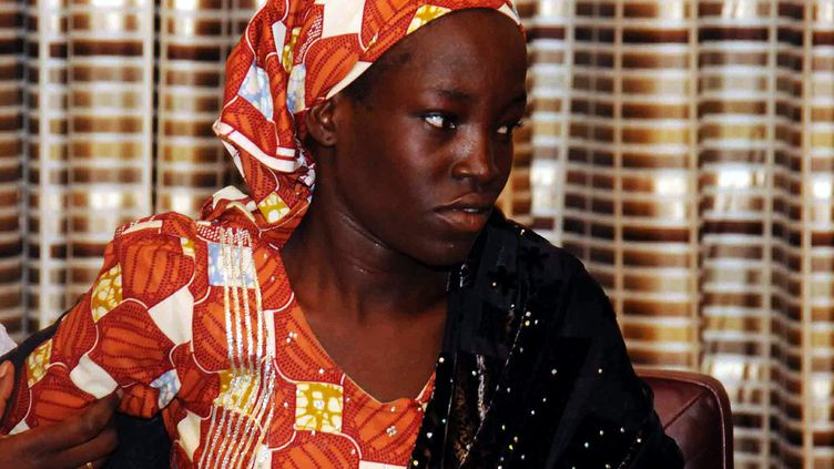 Amina Ali Darsha Nkeki, la première lycéenne enlevée par Boko Haram récemment retrouvée, le 19 mai 2016 à Abuja (NIgeria). (HENRY CHUKWUEDO / ANADOLU AGENCY / AFP)