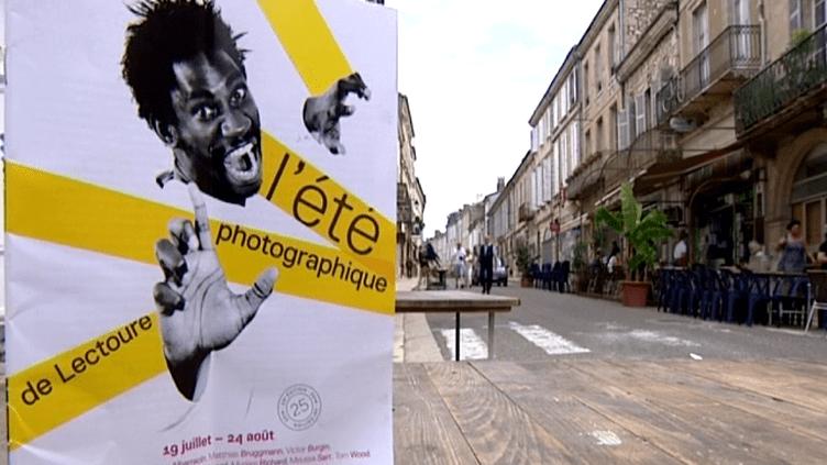 A Lectoure dans le Gers, six lieux d'exposition accueillent 13 artistes qui proposent un regard unique et personnel sur le monde  (France 3 / Culturebox)
