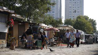 Un campement rom à Saint-Denis (Seine-Saint-Denis), le 4 octobre 2015. (THOMAS SAMSON / AFP)