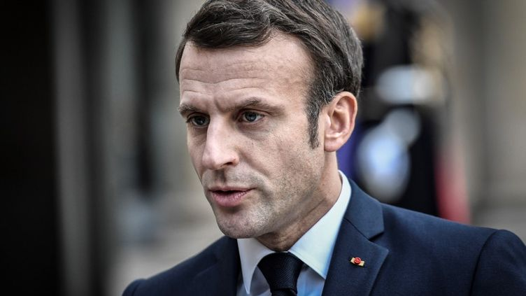 Le président français Emmanuel Macron au palais de l'Elysée, à Paris, le 5 février 2020. (STEPHANE DE SAKUTIN / AFP)