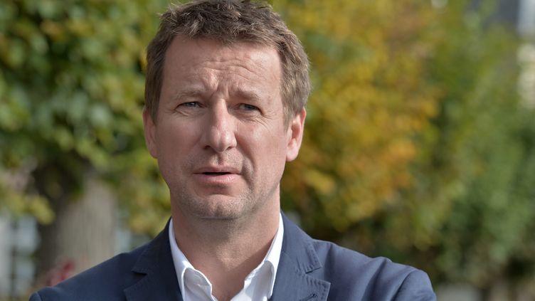 Le vainqueur à la primaire EELV Yannick Jadot le 2- novembre 2016 à Kolbsheim (Bas-Rhin). (PATRICK HERTZOG / AFP)