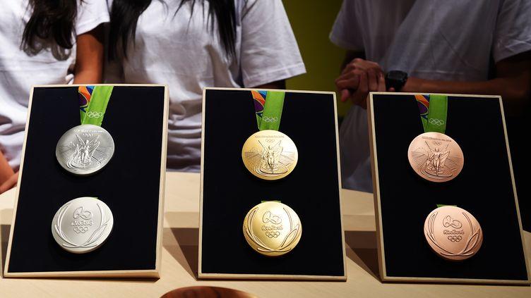 Les médailles décernées lors des JO de Rio (VANDERLEI ALMEIDA / AFP)