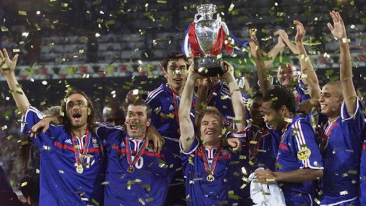 L'équipe de France victorieuse de l'Euro 2000