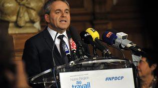 Xavier Bertrand, le candidat Les Républicains dans la région Nord-Pas-de-Calais-Picardie, à tourcoing (Nord), le 6 décembre 2015. (FRANCOIS_LO_PRESTI / AFP)