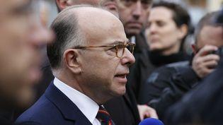 Le ministre de l'Intérieur Bernard Cazeneuve, le 18 novembre 2015 à Saint-Denis (Seine-Saint-Denis). (FRANCOIS GUILLOT / AFP)