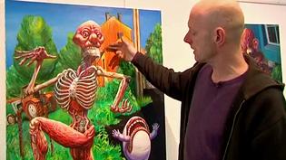 """L'artiste Vincen Massey et son tableau """"Marc Antoine""""  (France 3 / Culturebox)"""